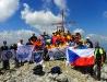 Albánsko - Prekliate hory - Maja Jezerces, 2694 m, spolu s albánskymi turistami (foto: TT)